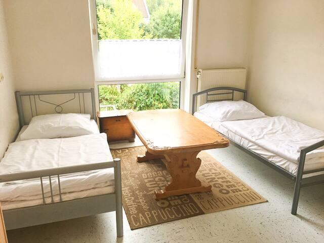 2-Bett-Zimmer in Wohnung in Bodenwöhr (ID 201/Z4)