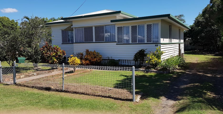 Low set Queenslander. - Norville - Casa