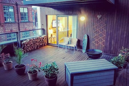 Great Ancoats City Centre Apartment with Terrace - Манчестер - Квартира