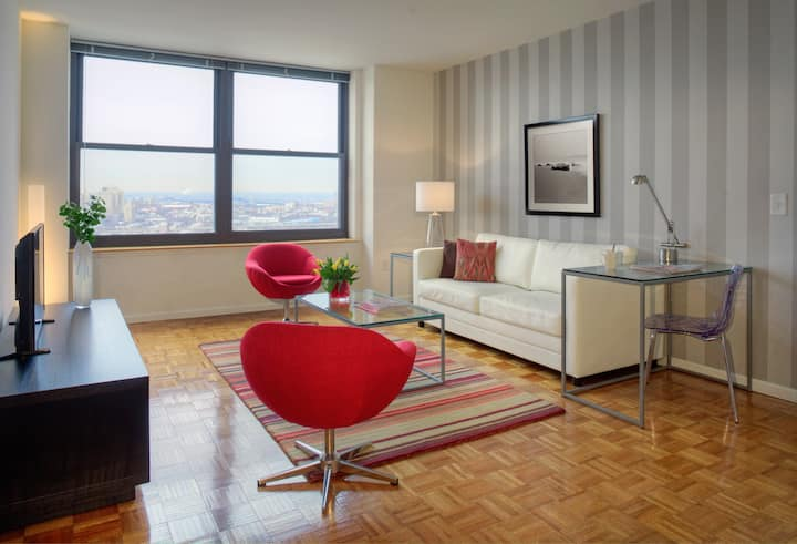 Christopher Columbus Drive Lux 2bd Jersey City