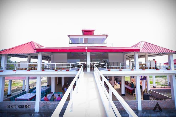 La Riveria Resort & Park