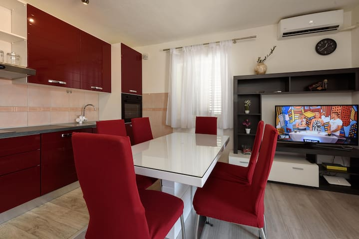 Apartment with teracce