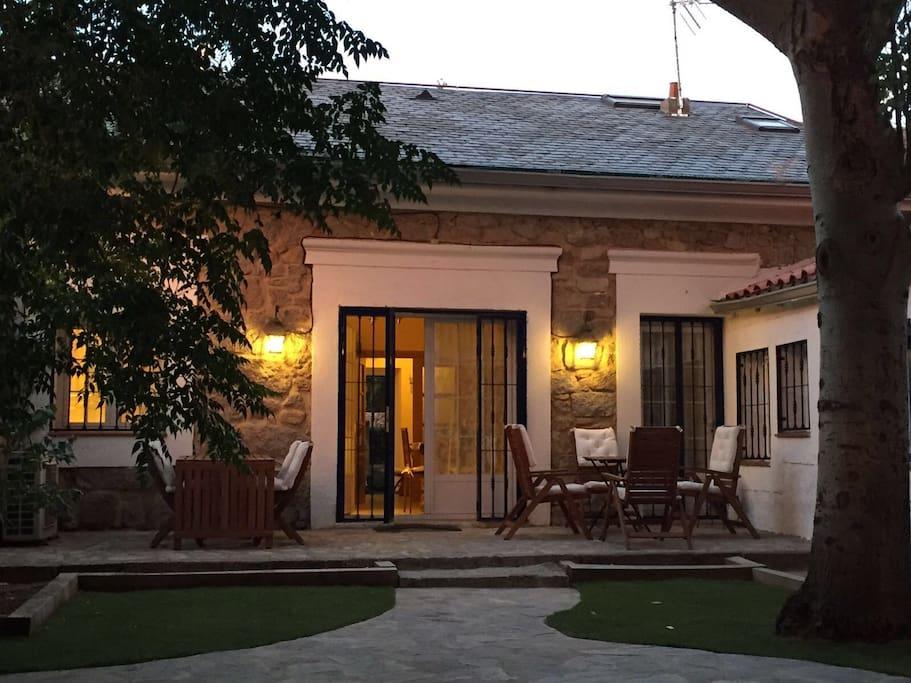 Chalet en el escorial con jardin houses for rent in el - Chalet el escorial ...