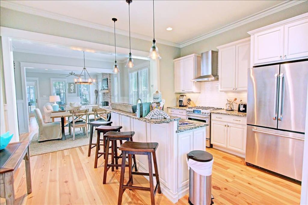 Beautiful Gourmet Kitchen!