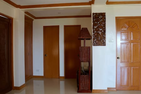 Penthouse with Views of Bay & Hills - Legazpi City - House