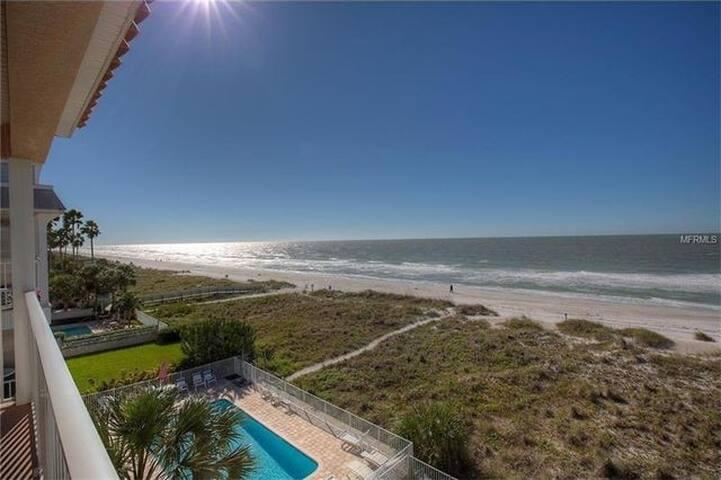 Gulf Front Penthouse Condo End Unit - 인디언 록스 비치(Indian Rocks Beach) - 아파트(콘도미니엄)