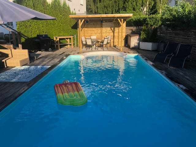 Charming villa with pool, close to Stockholm city