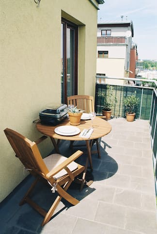 Charming STUDIO GARDEN-Sunny side,terrace,room30m2 - Praha 10, Prague 10, Praga 10, Prag 10 - Byt