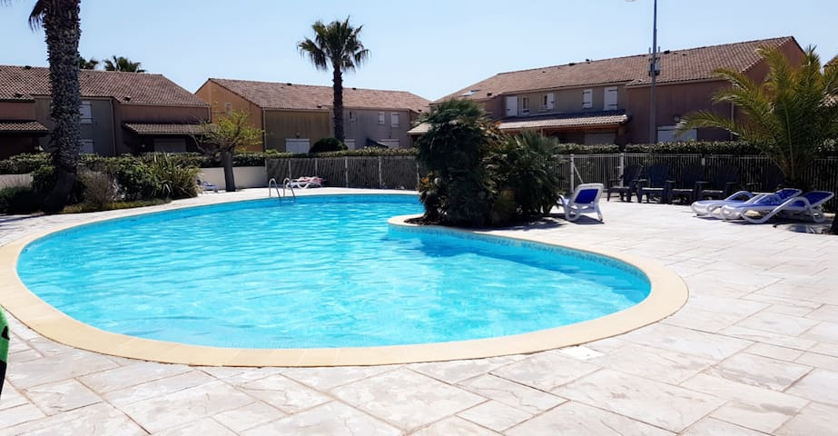 villa dans résidence a vendres plage