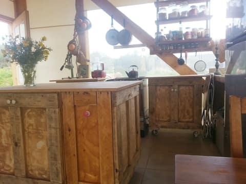 Inside-out House v Klil