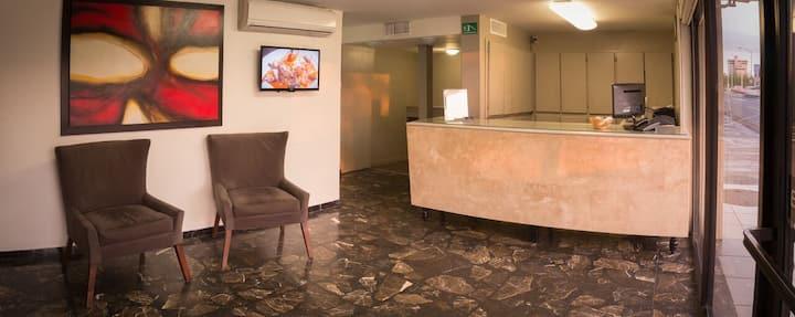 Habitación sencilla en Hotel La Riviera
