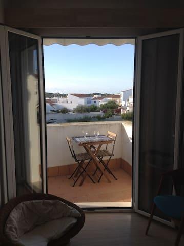 Tranquilo y cómodo apartamento en centro/sur isla - Es Migjorn Gran - Lägenhet