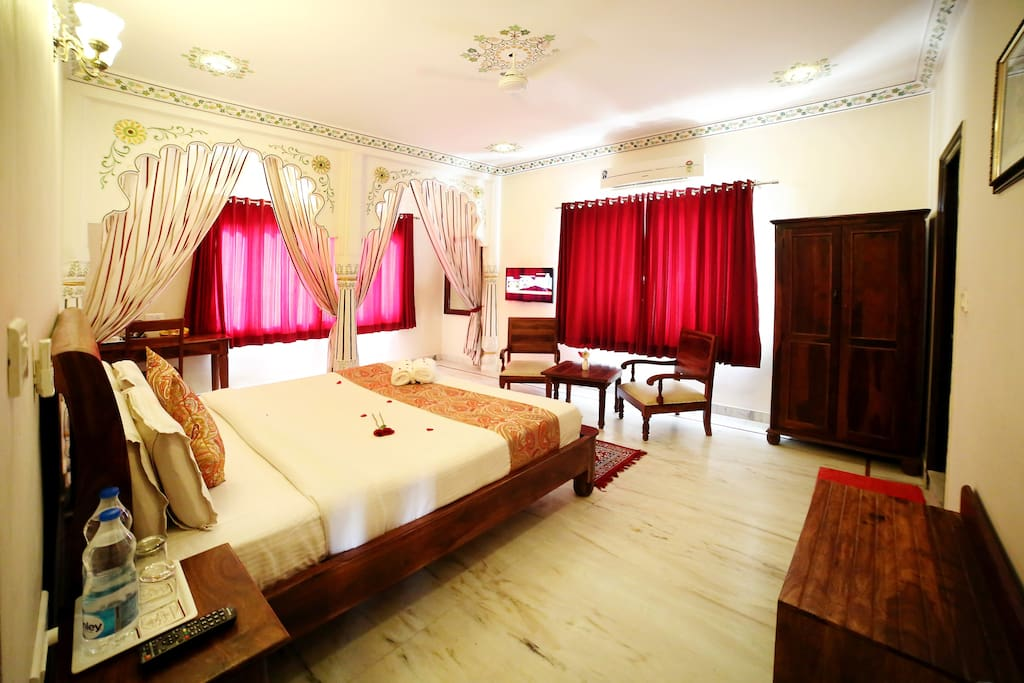 Super Deluxe Room With Bay Windows Boutique Hotels For