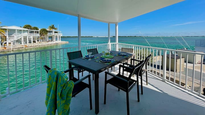 **TURTLE COVE VIEWS @ VENTURE OUT** 2BR/2BA Cottage + 35' Private Slip | 80' Pool…