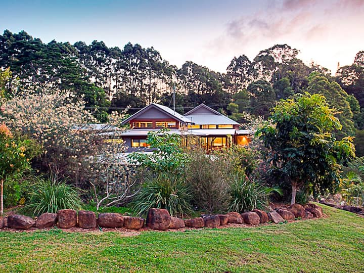 Berties at Byron - whole property is yours!