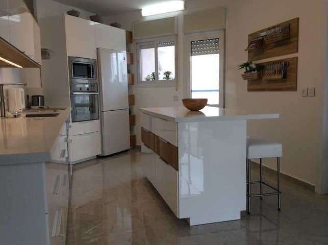 Appartement 5 pièces vue mer Poleg