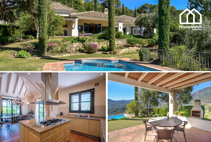 Amazing Andalusian style luxury Villa in la Zagaleta very private and with security 24h