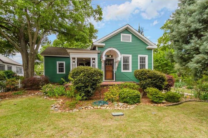 Historic Summerville home 3 m from Aug National