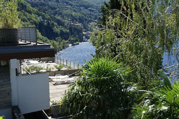 Holiday home with balcony, for 2-4 people, by lake Como near Pognana Lario
