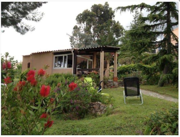 Petite maison à la campagne près d'Ajaccio
