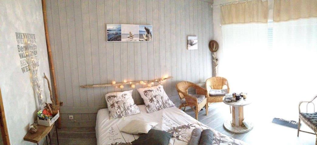 Jolie chambre indépendante et sa terrasse privée. - Saint-Nazaire