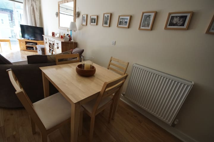 Cosy room / house in village centre