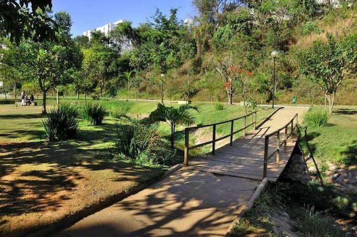 Parque Ecológico próximo ao apartamento.