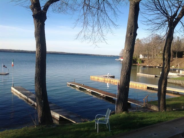 Lovely river front property. - Brockville