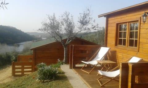 Trehus i Tagus Hills med privat strand