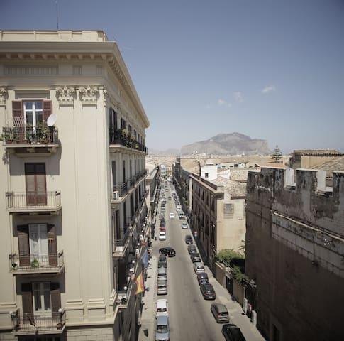 Balarm, una stanza in pieno centro storico
