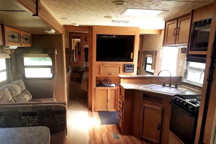 Camp Trailer PET FRIENDLY Sleeps 10 near Bear Lake