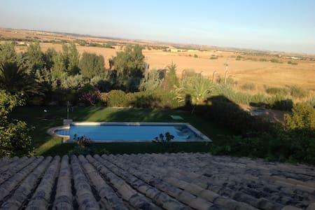 """Casa de Campo en Toledo """"La Jaralera CountryHouse"""" - Casarrubios del Monte - Rumah"""