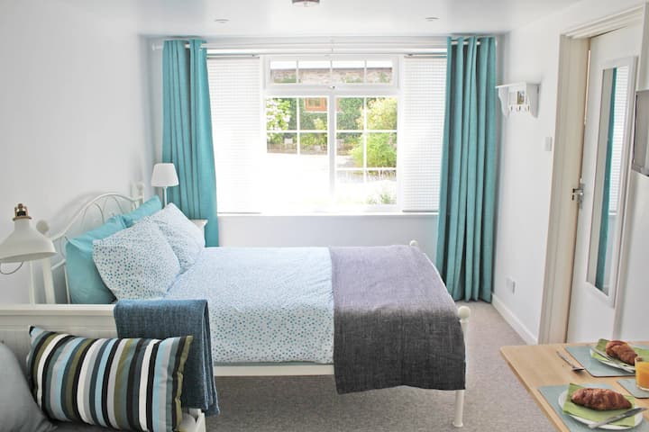 Bed and Breakfast in Newton Ferrers. Devon