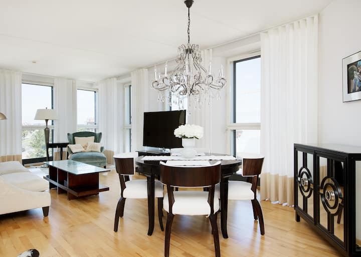 Luxury 2BR in the heart of Tallinn, Old Town 110m