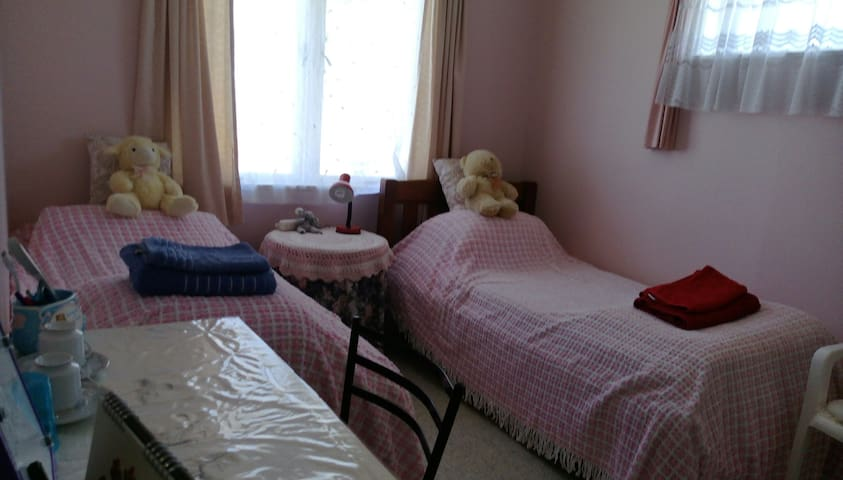 Twin Pink Room by Waikato University
