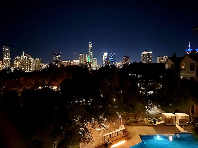 Clean Large Fun Artist 2BR with City + Pool Views