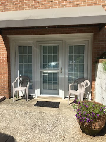 Cozy lower level, private entry - Hendersonville - Apartment