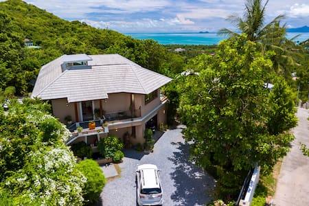Cosy lux villa sea view panoramic,  quiet comfort