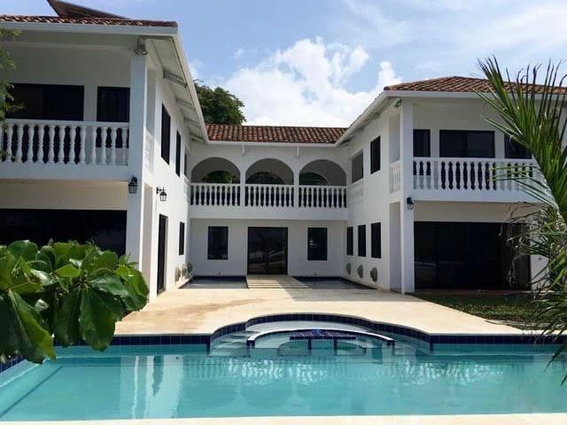 """Casa Besar-88 on Playa Coco""    Live Green! - San Juan del Sur - Huis"