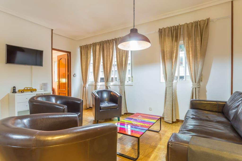 Superb vintage apart atocha retiro flats for rent in for Bathrooms in retiro park