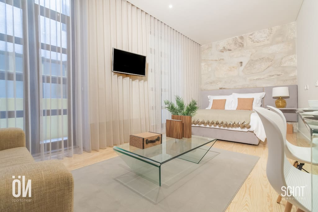 Oporto Near - Apartment 1.1 - Cork - Yellow (Bedroom)