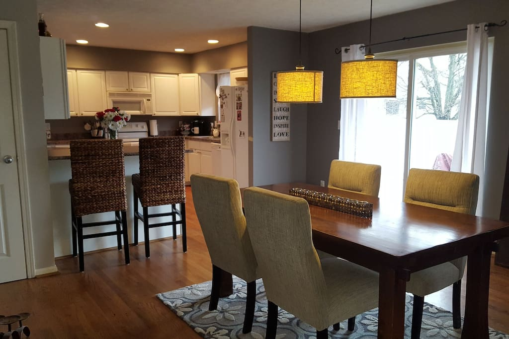 Shared Kitchen|Dining area