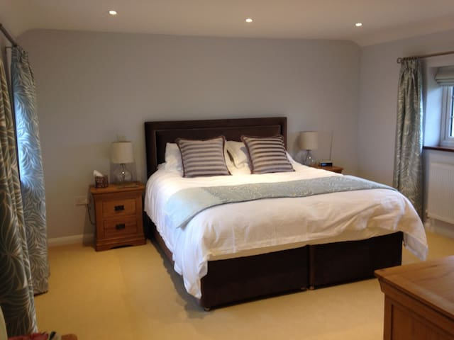 Luxurious, farmhouse b&b - Huntingdon
