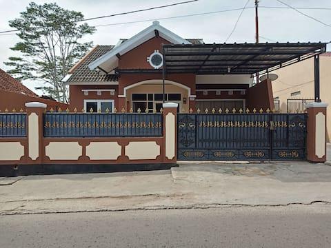 Qory Home Villa