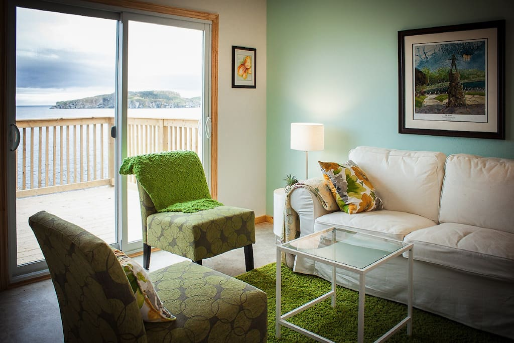 The living room of the Puffin.