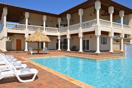 Private Villa with Ocean View in Palm Beach Area!
