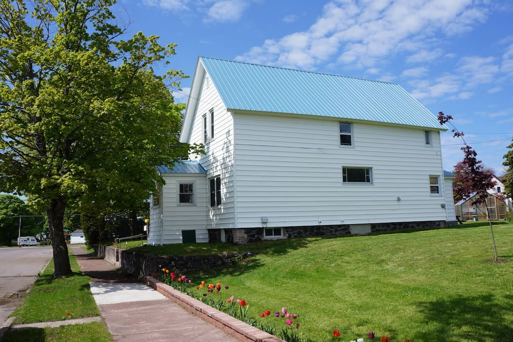 3 bedroom 1880 39 s home in the heart of the keweenaw for 7 bedroom house for rent in michigan