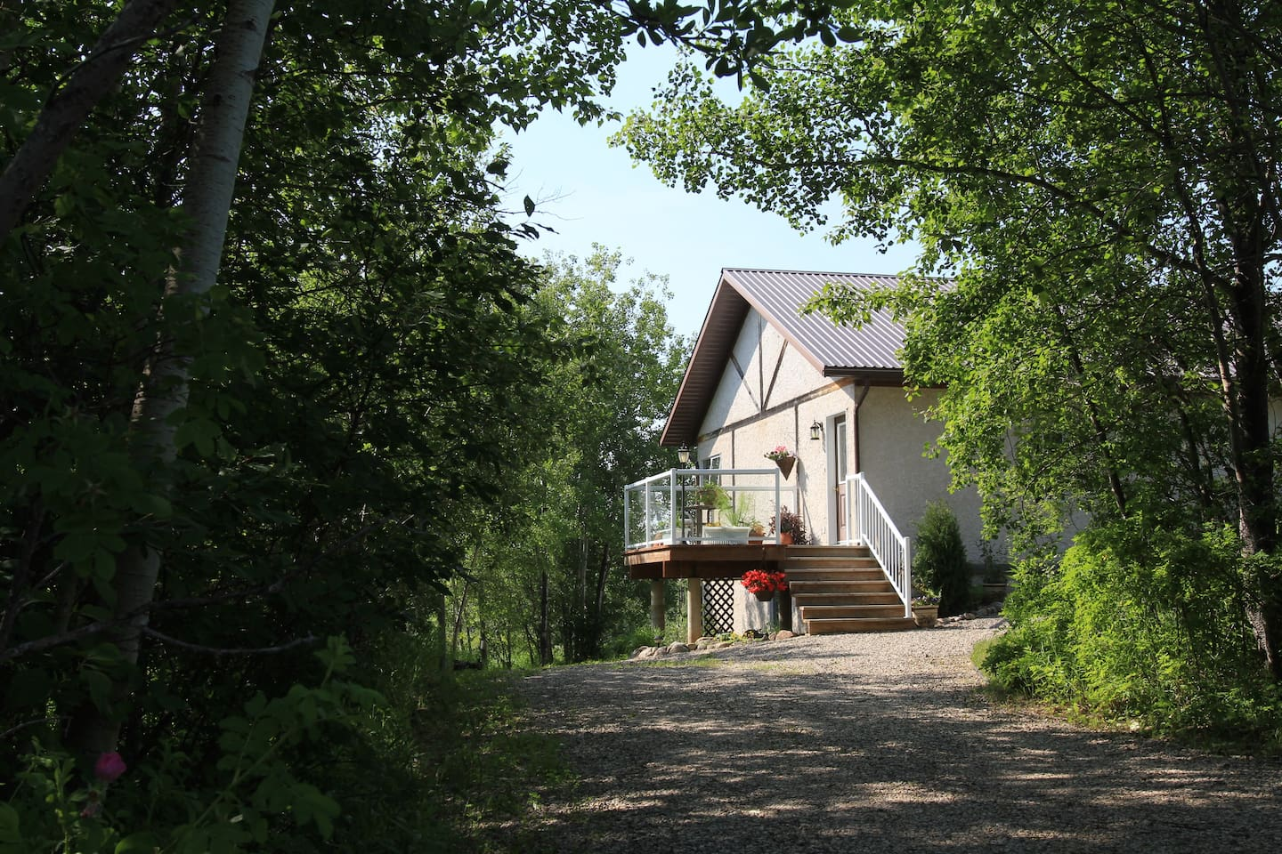 Eco Home Nestled Up to Riding Mountain Park - Häuser zur Miete in ...
