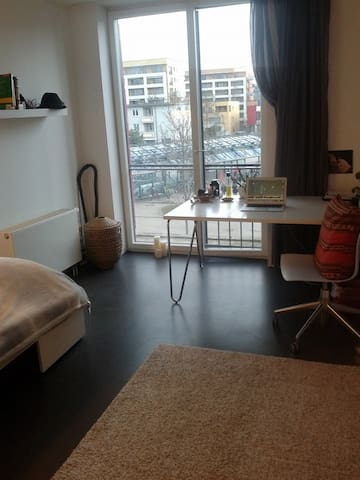 Own, quiet apartment - easy ride to Oktoberfest - München