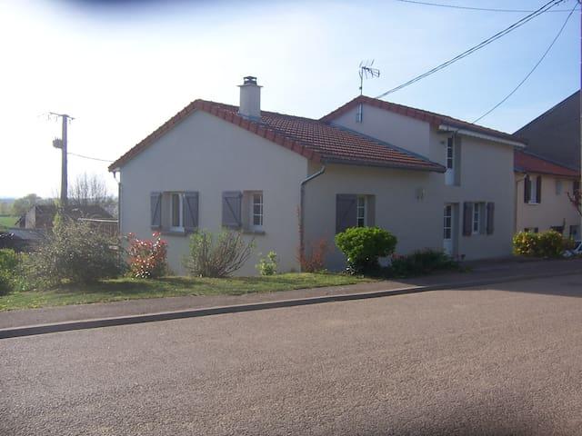 Maison 6 personnes avec jardin à Benney - Benney - Dom